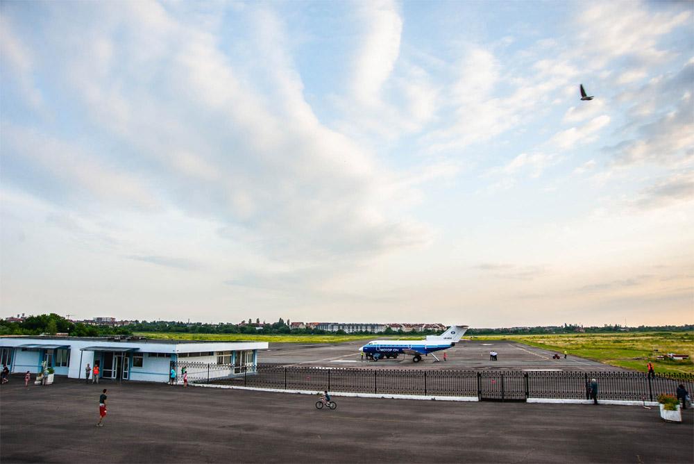 Министр инфраструктуры Украины назвал дату запуска аэропорта в Ужгороде.