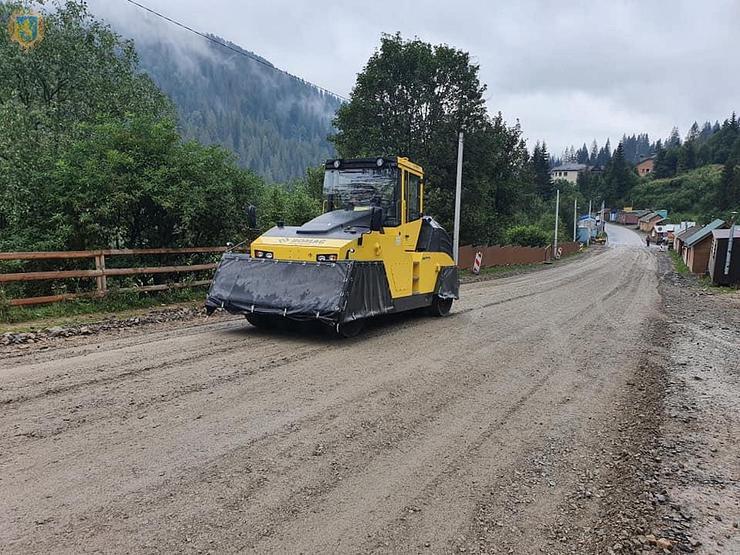 У рамках проекту «Мале карпатське коло» у гірському Сколівському районі на Львівщині розпочали ремонт дороги Славське - Хащованя.