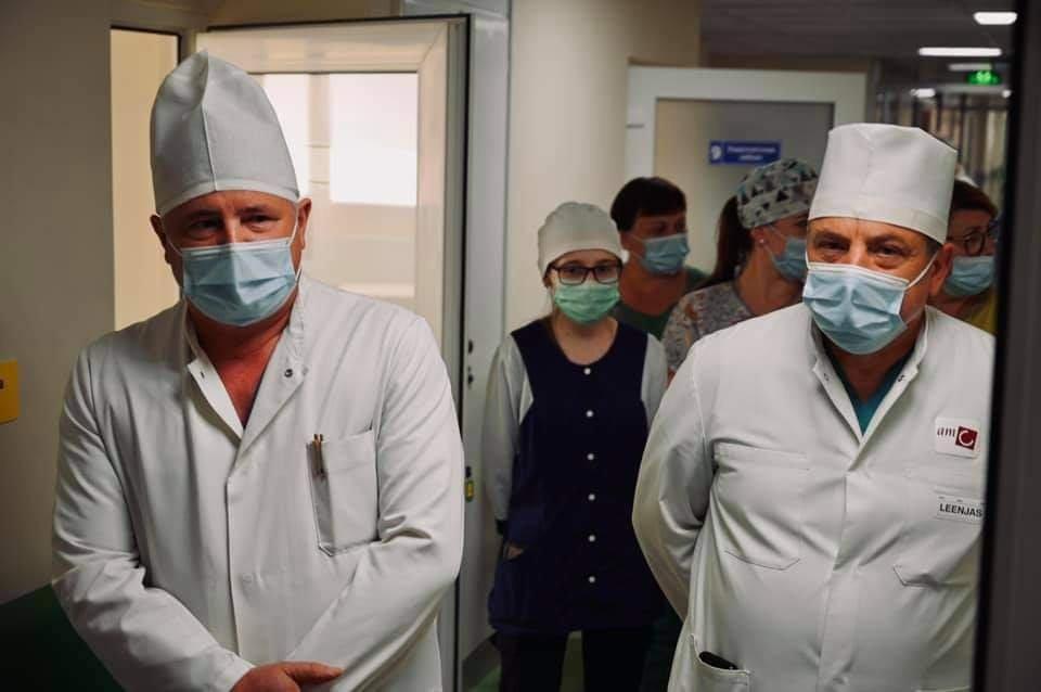 Сьогодні Анатолій Полосков спільно зі своїми заступниками, представниками місцевої влади та медиками відкрили нове приймальне відділення у Берегівській центральній районній лікарні ім. Б. Ліннера.