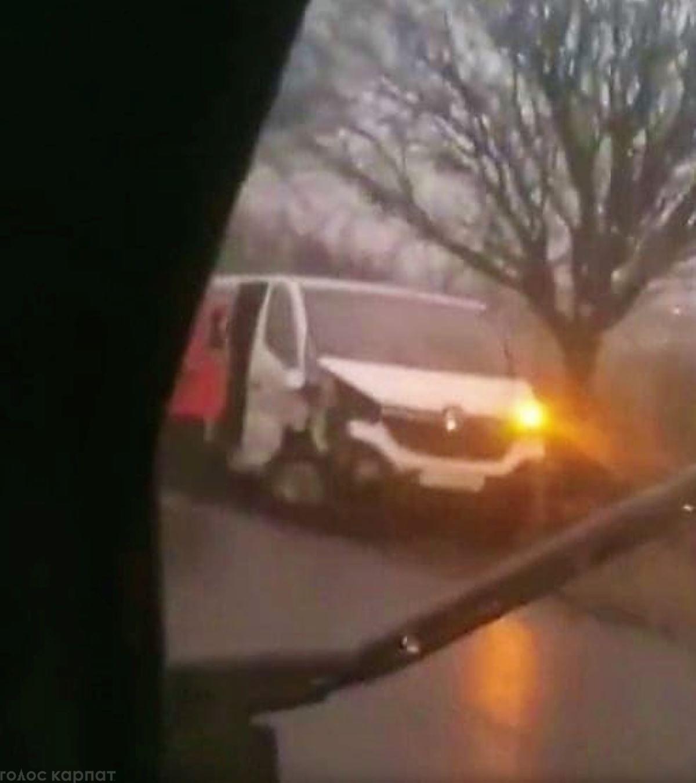 Моторошна ДТП на дорозі державного значення Н-09 Мукачево - Рогатин сталася сьогодні, 20 лиcтопада.