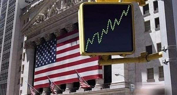 Американський долар дешевшає по відношенню до інших провідних валют.