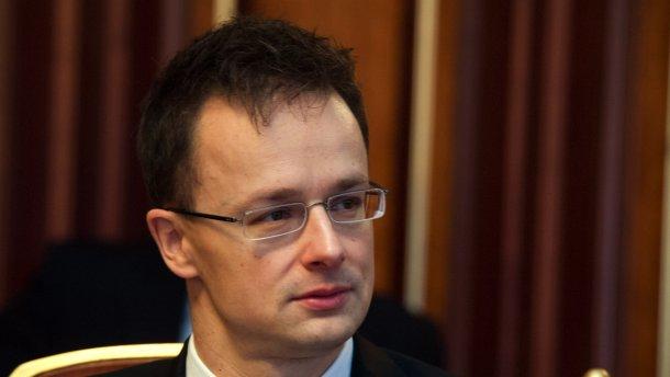 Українсько-угорські стосунки псуються не через Україну. Кінцевою метою політики возз'єднання територій прем'єра Угорщини Віктора Орбана є створення угорського анклаву на території України.