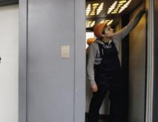 На ремонт ліфтів у житлових будинках у Мукачеві використають майже 2 млн гривень