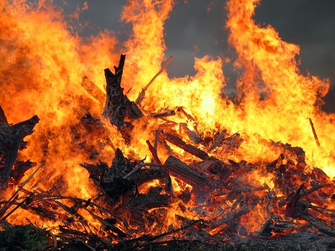Пожежі на Закарпатті: на Ужгородщині горів житловий будинок, на Рахівщині- надвірна споруда