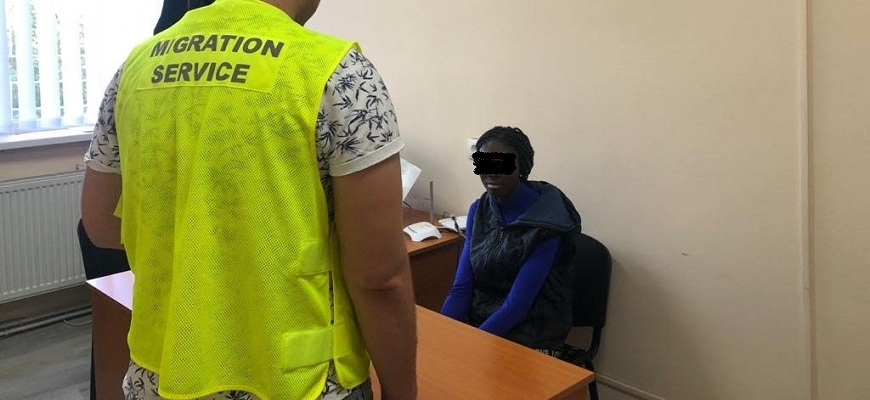 В Ужгороді виявили іноземку, яка незаконно приїхала на навчання.