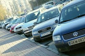 Юрист вирішив пояснити, чому зараз поліція не штрафує власників автомобілі на єврономерах.