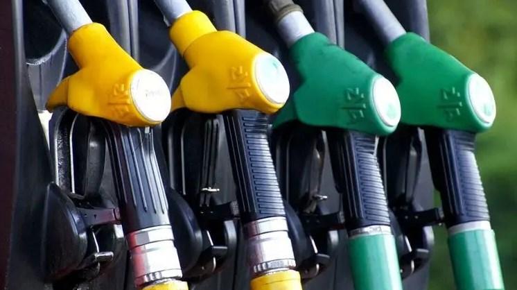 Тем, кто привык заливать премиальным топливом, придется выбирать - опустить планку или переплачивать еще больше.