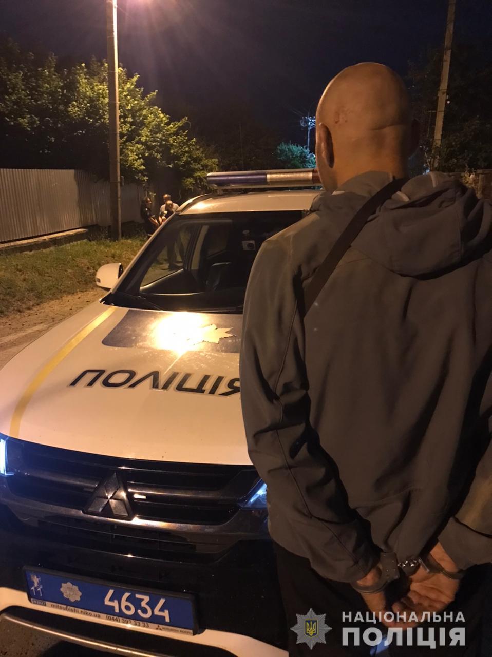 Сьогодні, 30 червня, після першої години ночі поліцейські Ужгорода отримали повідомлення про крадіжку в провулку Ширавському.