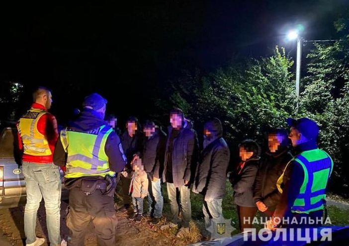 22 вересня на Мукачівщині патрульні поліцейські за оперативною інформацією зупинили автомобіль марки «Citroen».
