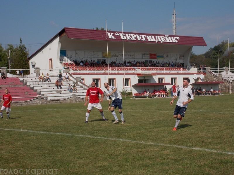 Первый билет, напомним, выиграл ФК «Берехвидийк», который в результате лучших пенальти одолел футболистов «Королевы».