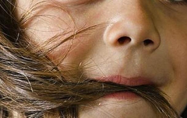 Лікарі дістали зі шлунка дитини 1,5 кг волосся (ФОТО)