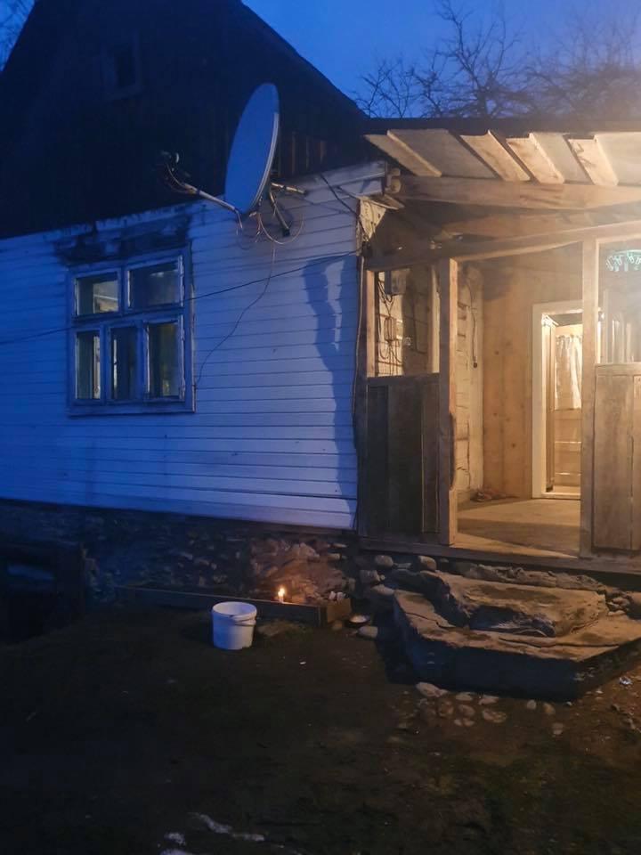 У селі Водиця Рахівського району під час сварки п'яний чоловік побив співмешканку. Потерпіла від отриманих травм померла. Вбивцю жінки затримала поліція.