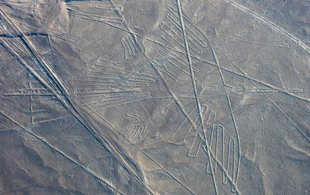 На плато зображені величезні тварини, лінії і неідентифіковані істоти. Деякі з древніх малюнків визначили за допомогою штучного інтелекту.