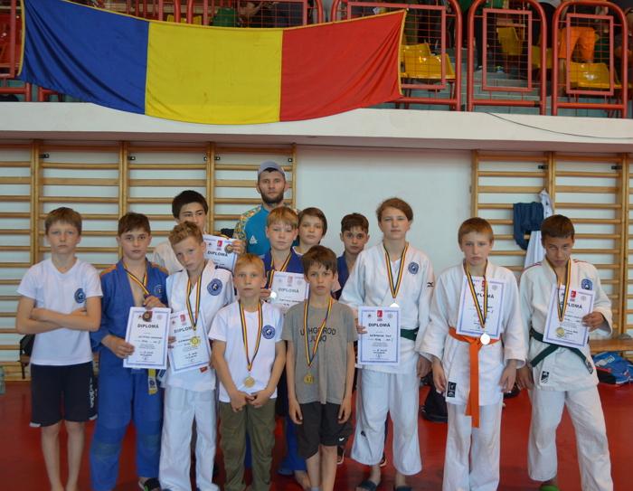 У суботу, 8 червня, в румунському місті Сату-Маре проходив міжнародний турнір з дзюдо серед дітей та ветеранів.