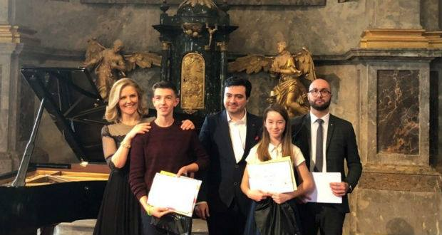 """Тут з 28 лютого по 3 березня вже вчетверте проходив Міжнародний конкурс піаністів """"Чари музики без кордонів."""""""