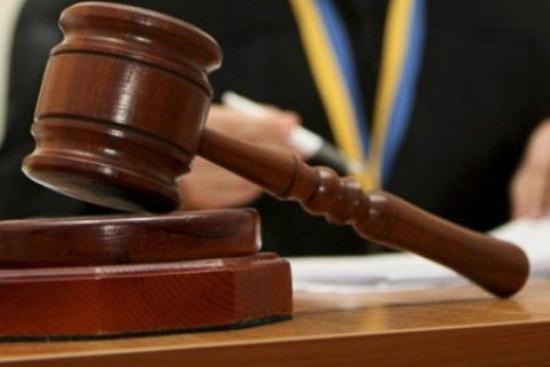 Сьогодні, 30 квітня, слідчий суддя Ужгородського міськрайонного суду постановив ухвалу, якою відсторонив від посади директора Департаменту міського господарства Ужгородської міської ради.