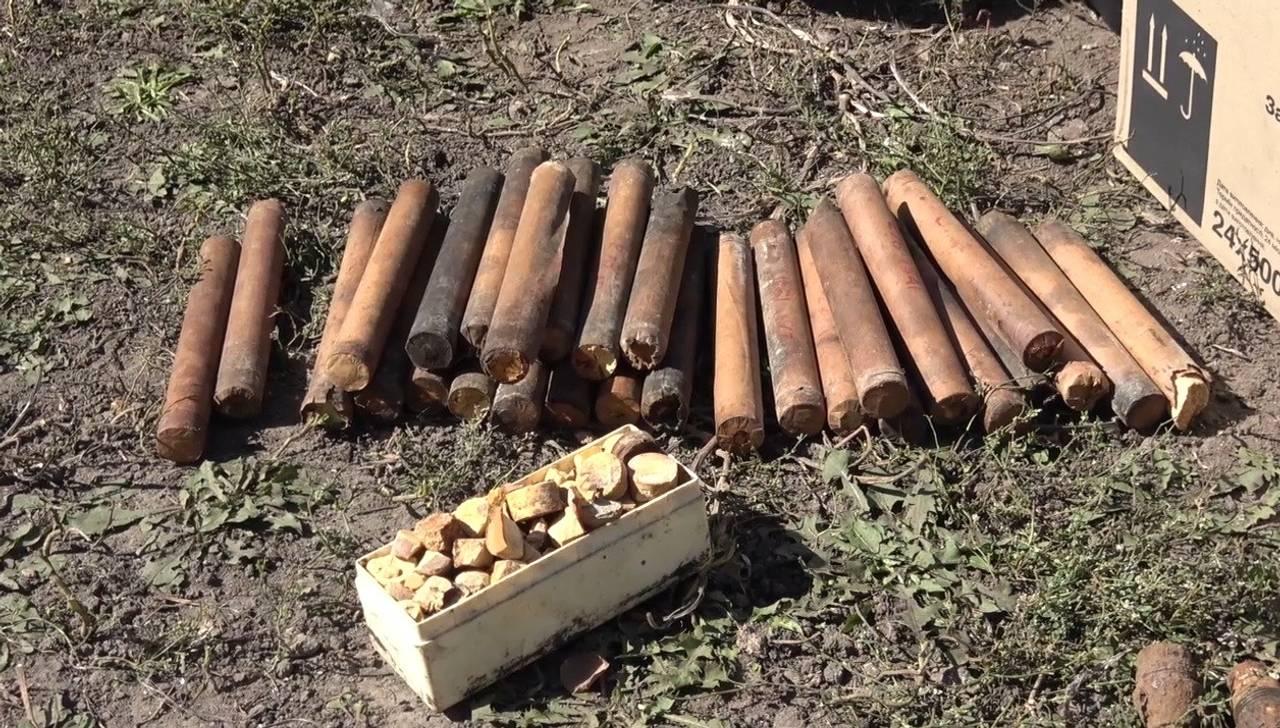 На Виноградівщині солдат-контрактник продавав тротилові шашки та підривачі