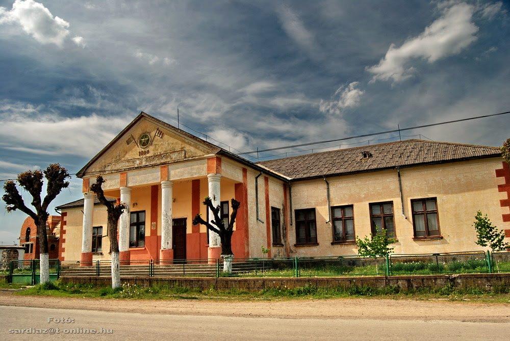 Надійши відомості про результати кандидатів у нардепи-мажоритарники в Пийтерфолво, Карачин і Чепа по 73 округу.