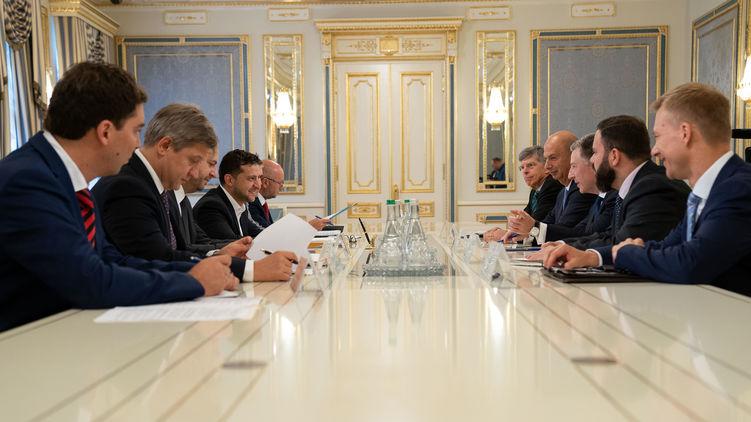 Спеціальний представник Державного департаменту США з питань України Курт Волкер після приїзду до Києва в четвер, 25 липня, провів ряд знакових зустрічей.