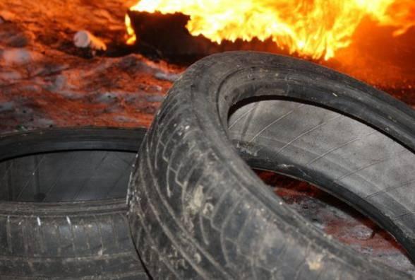 Невідомі підпалили шини на автомобілі начальниці відділу освіти Свалявської РДА, – ЗМІ