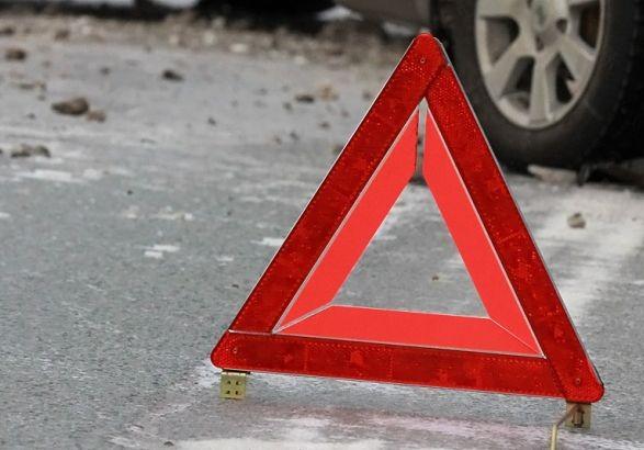 У дорожньо-транспортній пригоді за участю мікроавтобуса і автобуса неподалік польсько-українського кордону загинув громадянин України.