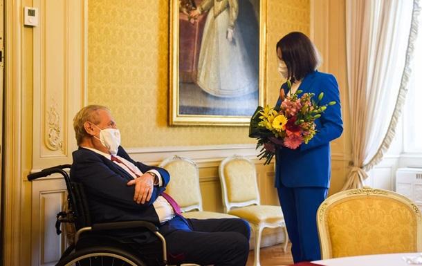 Мілош Земан поспілкувався із Світланою Тихановською та висловив їй підтримку від себе особисто і всієї країни.
