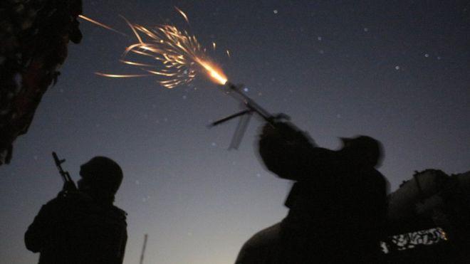 Проросійські сили на Донбасі у вівторок зранку пішли у наступ неподалік від ділянки розведення у Золотому. Штаб ООС повідомляє про важкі бої і втрати.