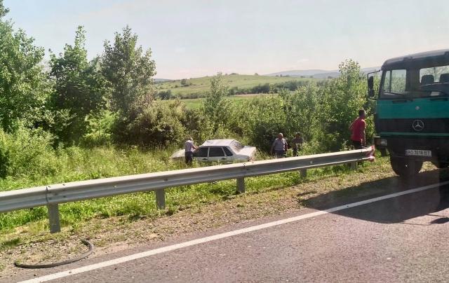 Дорожньо-транспортна пригода трапилася поблизу села Залужжя.
