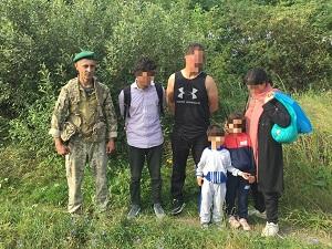 Сьогодні, під час моніторингу кордону військовослужбовці відділення «Горонглаб» виявили групу невідомих, які прямували у сторону сусідньої країни.