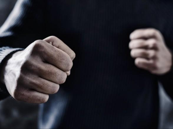 Працівники Іршавського відділення поліції за фактом хуліганських дій щодо двох жителів району розпочали слідство. Молодих чоловіків, причетних до злочину, затримано.