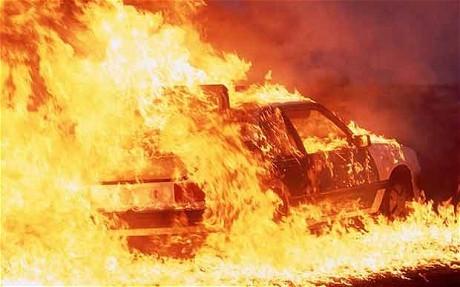 У Міжгір'ї повністю згорів автомобіль