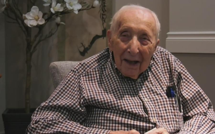 Виживший в Голокост родом з Мукачева (Закарпатська область) Джордж Пал (George Pal) розповів про свої мемуари Prisoner of Hope ( «В'язень надії»).