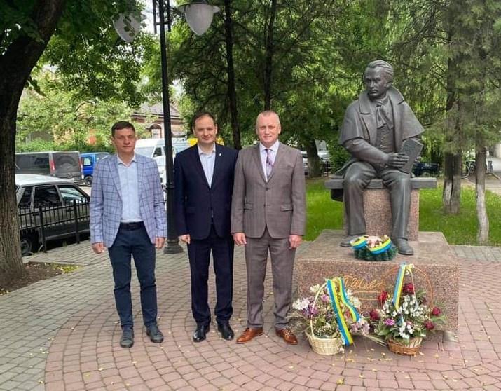 Міський голова Івано-Франківська Руслан Марцінків разом з дружиною  відвідали  Закарпаття.