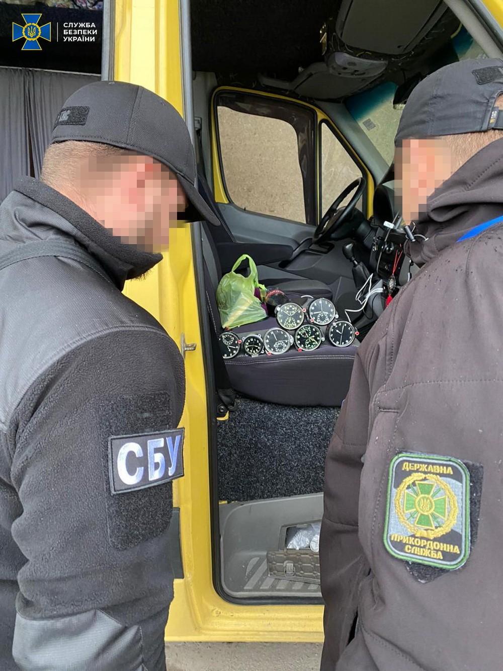 Служба безпеки України попередила незаконне переміщення через митний кордон товарів подвійного призначення, що підлягають обов'язковому експортному контролю.
