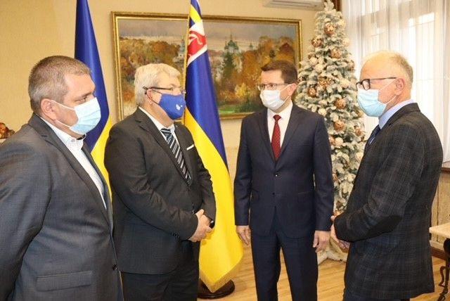 Голова Закарпатської ОДА Анатолій Полосков подякував за допомогу угорському уряду, яку Закарпаття отримало через Екуменічну Службу Допомоги.