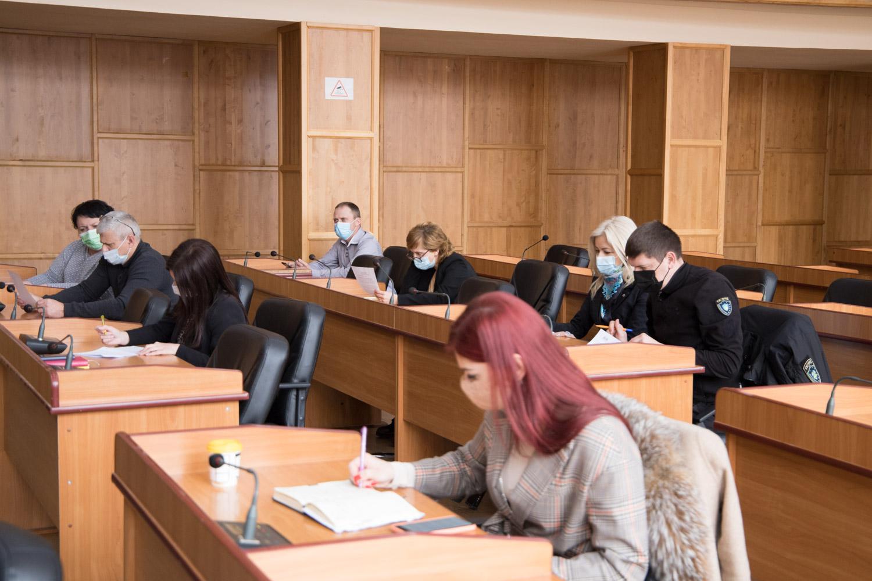 Девять материалов об административных правонарушениях были рассмотрены сегодня на заседании административной комиссии в Ужгородском городском совете.