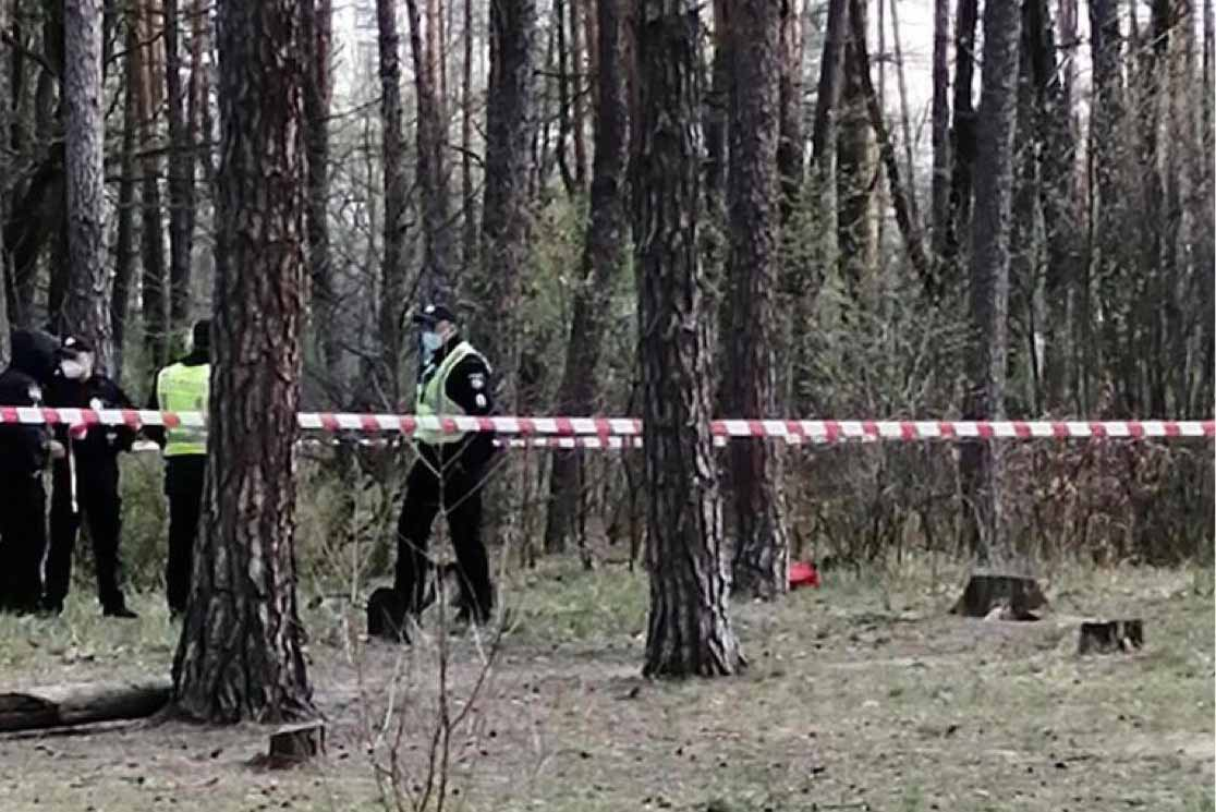 В лісі на Іршавщині було виявлено тіло молодого чоловіка.