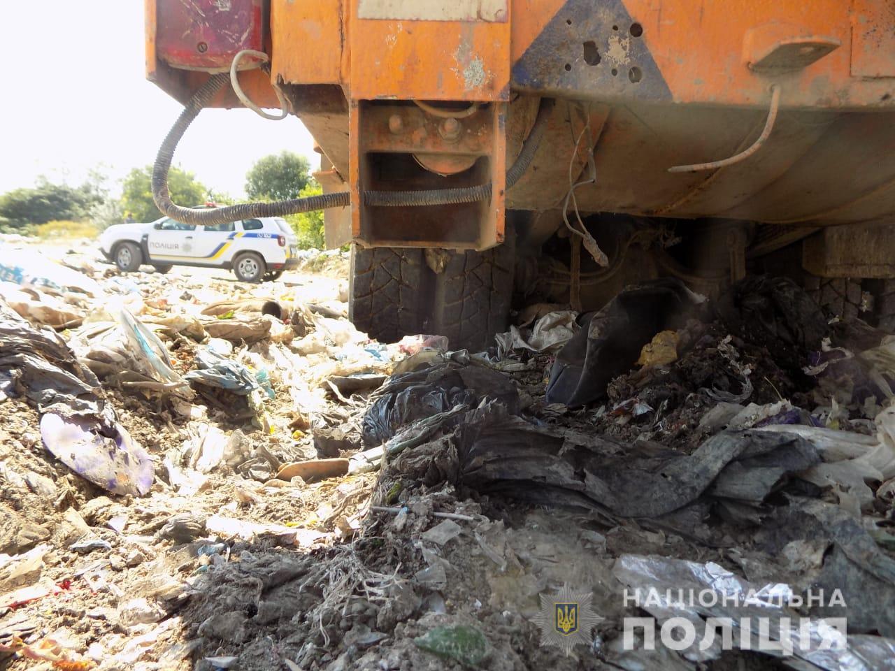 Трагедія трапилася на сміттєзвалищі у селі Дубрівка. 31-річної жительки села Білки померла у кареті швидкої так і не доїхавши до лікарні.