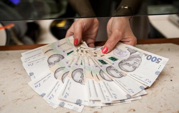 У Нацбанку вважають, що зміцнення гривні не зашкодило економіці.