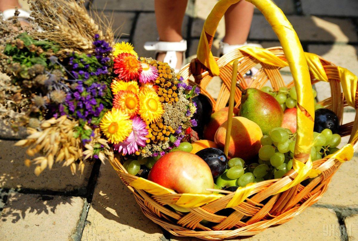 19 серпня на Закарпатті відзначають Преображення Гсподнє. Цей празник ще має назви Другий Спас або Яблучний Спас.
