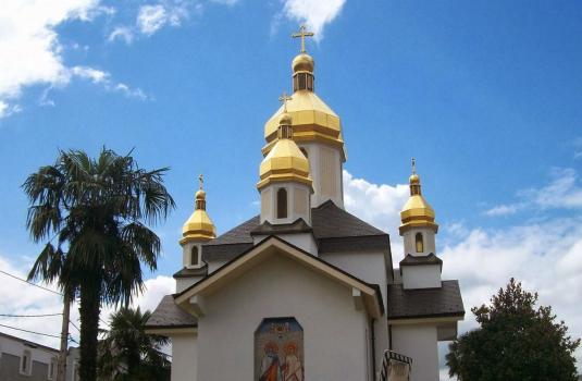 Закарпатські волонтерки розповіли про українську церкву в світовому центрі благодійності / ВІДЕО