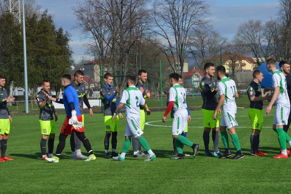 у фіналф Зимової першості зіграли ФК «Севлюш» (Виноградів) з ФК «Середнє».