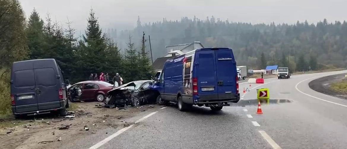 Подробиці масштабної аварії у Самбірському районі.