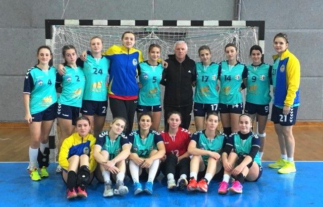 Гандболістки «Карпат» обіграли львівську «Галичанку» з рахунком 26:20.