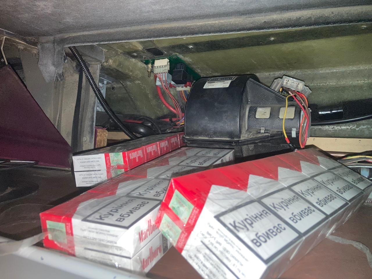 Чималу кількість тютюнових виробів намагався учора перемістити до Італії 60-річний українець.
