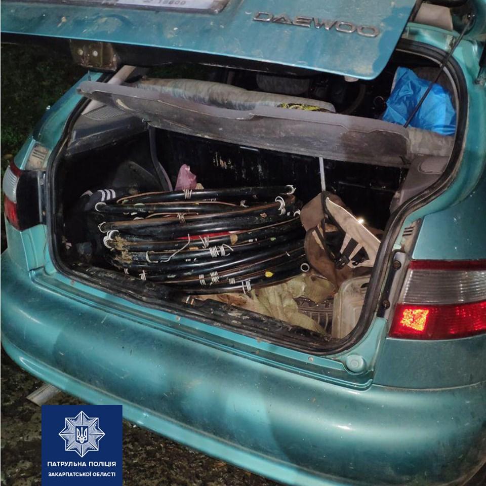 0 5-ій годині ранку сьогодні, патрульні зупинили на вулиці Верещагіна в Ужгороді авто Daewoo. Водій якого порушив Правила дорожнього руху.