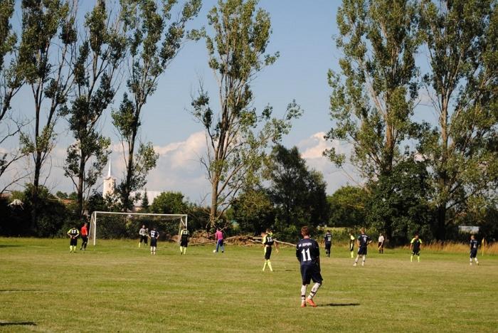 У вівторок, 11 серпня, відбулася вже чергова цьогорічна зустріч представників футбольних клубів, керівництва районної влади та федерації.