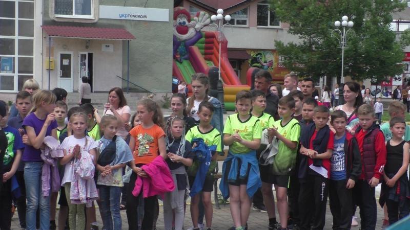 Сьогодні о 13.00 на площі Поштовій в місті Тячів офіційно відкрито перший дитячий спортивний фестиваль  «Сhildren's  Sports Festival -Tyachiv».