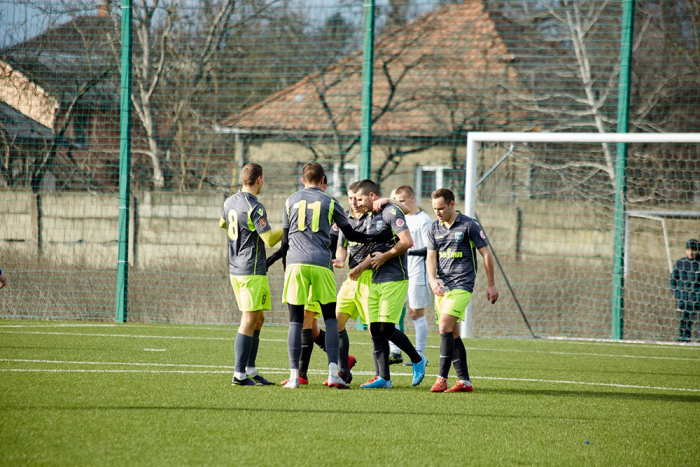 Незважаючи на результат півфінального матчу зимової першості Закарпаття з футболу ФК «Бобовище» - ФК «Середнє» - 5:1, у фіналі гратиме команда, яка поступилася.