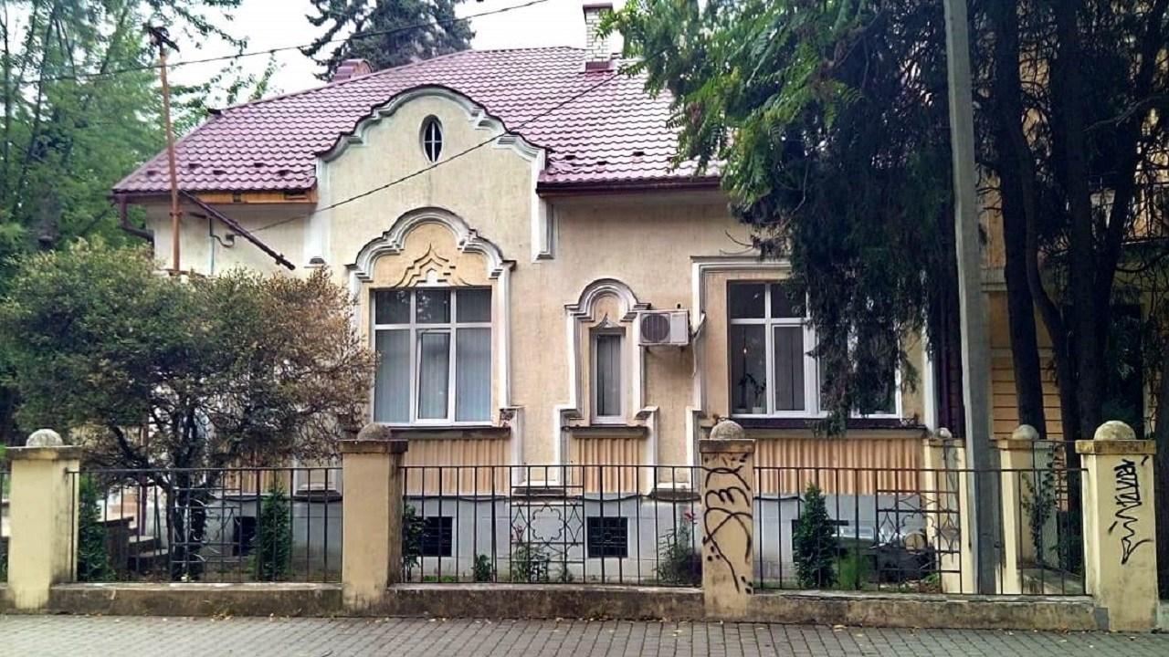 Будинок адвоката Аладара Бартаковича, колишня адвокатська контора.